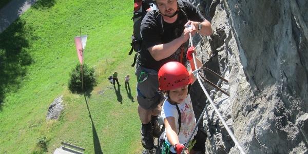 Klettern im Klettergarten Rifa