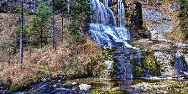 Wasserfall in der Weißbachschlucht