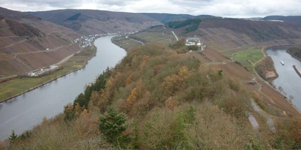 Blick vom Aussichtsturm auf dem Prinzenkopf auf die Marienburg