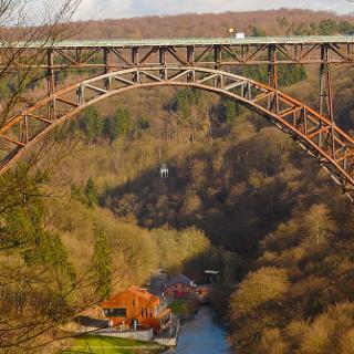 Die Müngstener Eisenbahnbrücke: Mit 107 m über der Wupper die höchste Deutschlands