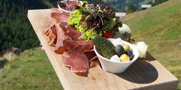 Plaisirs culinaires dans de nombreux restaurants de montagne