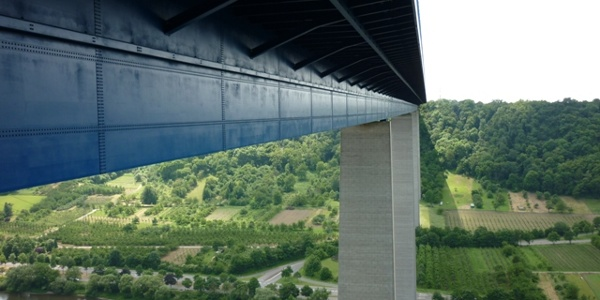 High above the Moselle: the Winningen motorway bridge