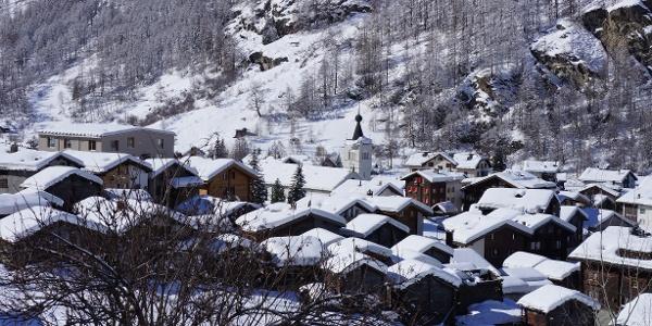 The village of Täsch in winter