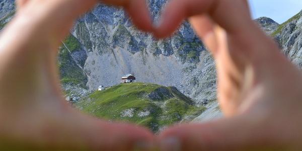 Das Guttenberghaus - Wo sich Bergsteiger treffen!