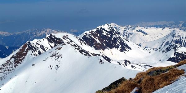 Blick Tischfeldspitze + Kammkarlspitz im Norden