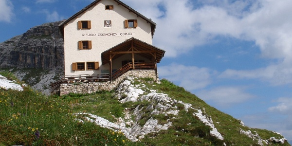 Zsigmondy Hütte 2235 m